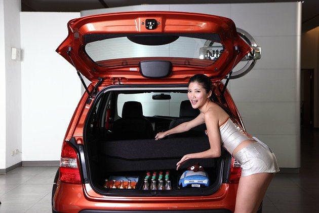 Nissan Livina 1.6「野Fun版」新增後艙平整化與活動防水置物盒等...