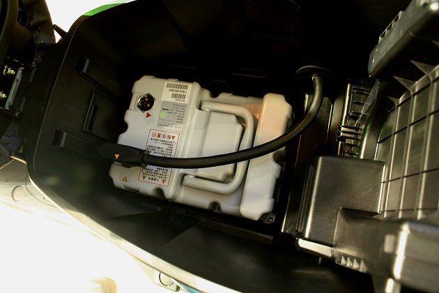 消費者如有需要,可加裝第二顆鋰電池,讓續航力更提升。 林和謙