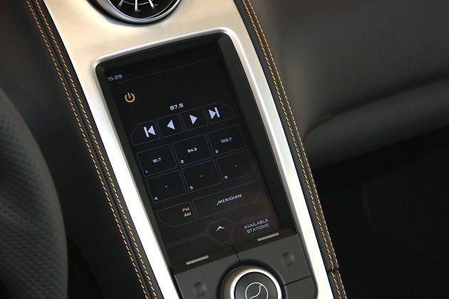 中控台上7.1吋觸控式螢幕。 林和謙