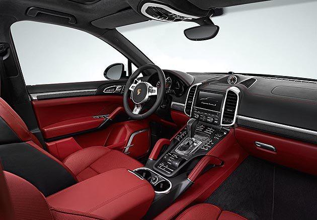 內裝提供多種雙色皮革。 Porsche