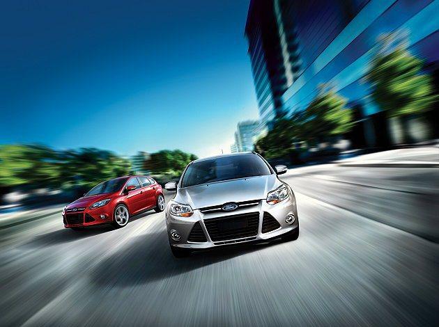 Focus特別推出四門汽油時尚經典型、四門汽油豪華型高額零利率優惠,最低月付一萬...