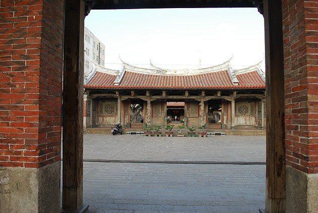歷史悠久的龍山寺。 記者趙惠群/攝影