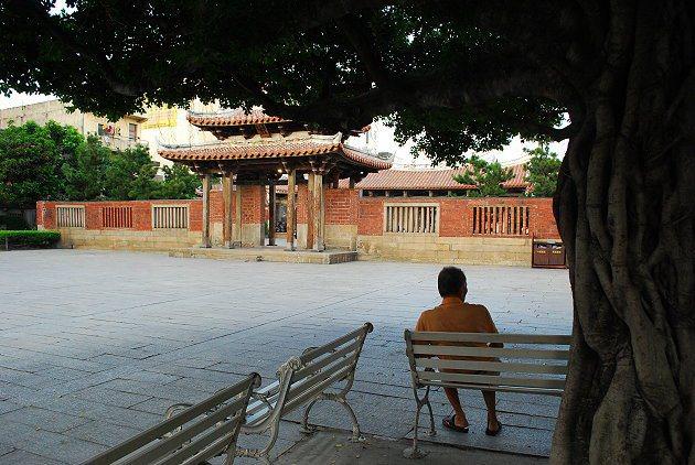 龍山寺廟埕。 記者趙惠群/攝影