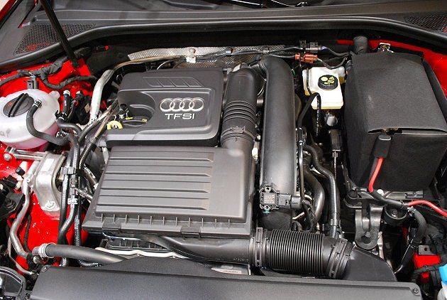 1.4 TFSI引擎最大馬力,122hp平均油耗一公升跑22公里。 記者趙惠群/...