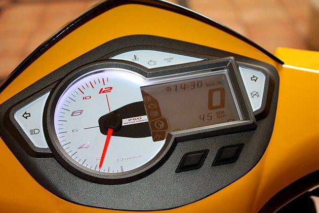 3吋液晶儀表,可顯示引擎及環境資訊等。 記者林和謙/攝影