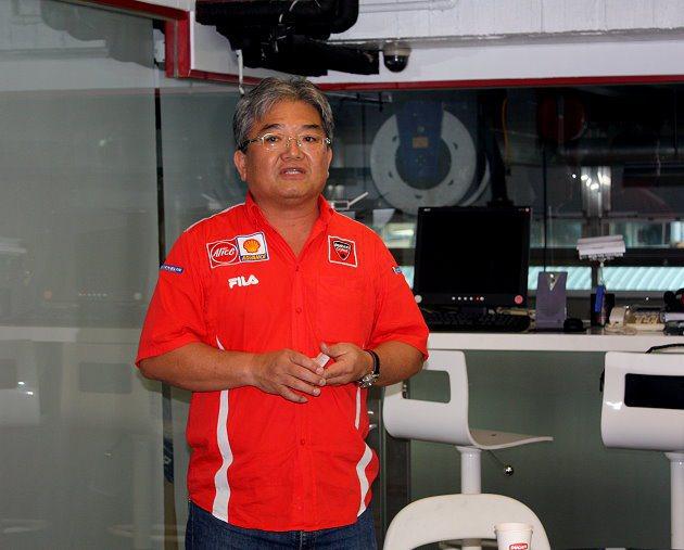 碩文總經理吳坤楠介紹技術訓練的重點。 記者林和謙/攝影