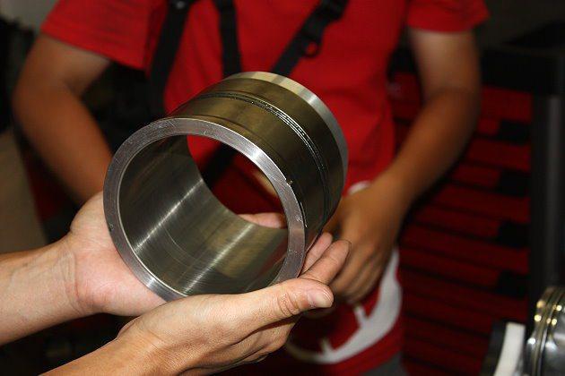 Superquadro引擎採用汽缸套技術,可以將動能力量有效把持住。  記者林...