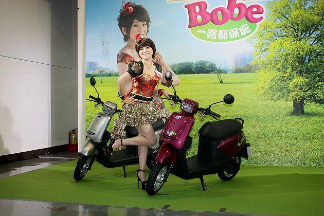 e-moving Bobe相當輕巧。 記者林和謙/攝影