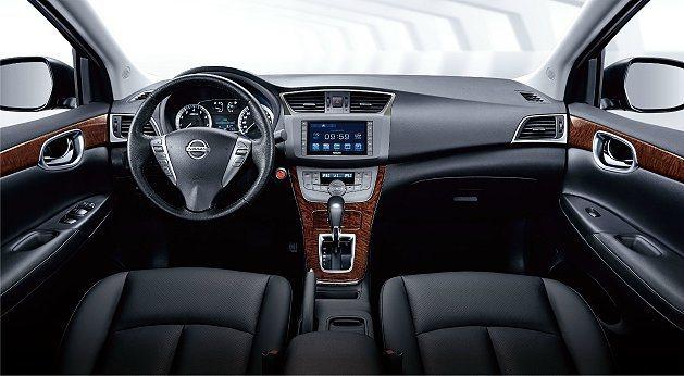 Super Sentra以省油、舒適,演繹了新世代中大型房車新標準。 Nissa...