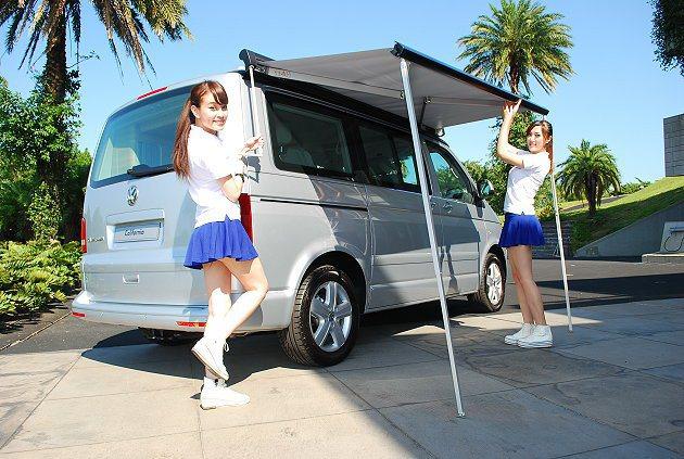 車外可收納的遮陽篷架。 記者趙惠群/攝影