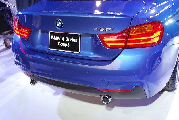 4 series Coupe車尾有大器的LED尾燈、左右尾管。 記者趙惠群/攝影