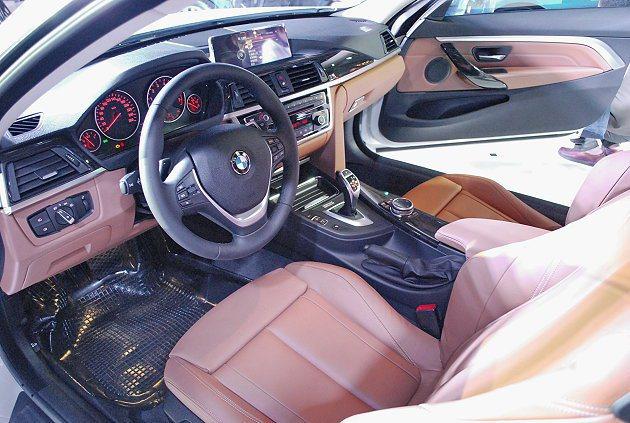4 Series Coupe內裝與3 Series Coupe內裝配置相仿,以真...