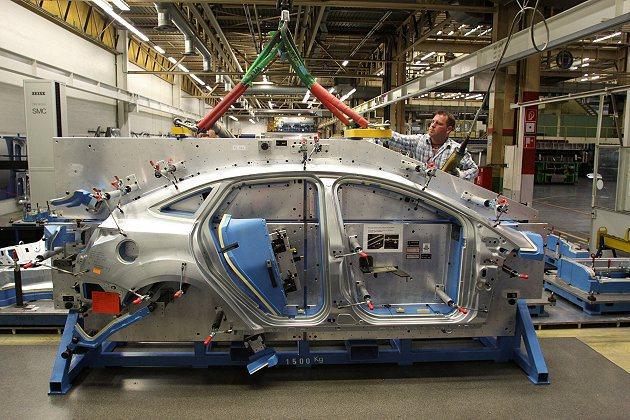 全球9大生產全新第三世代Focus的產線,足以創造高達150萬輛年產量。 For...