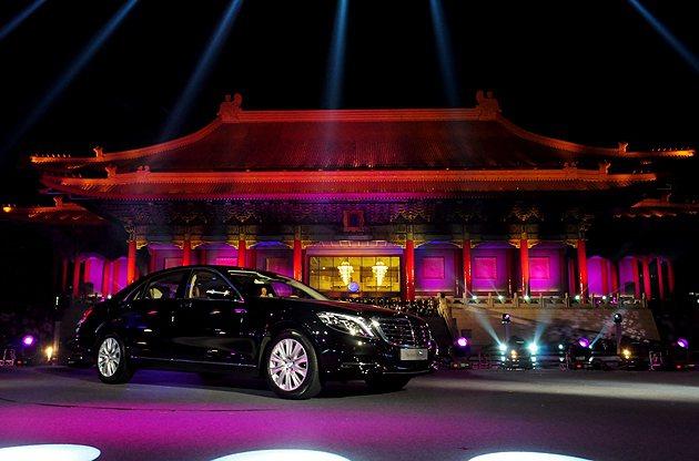 S-Class在中正紀念堂也同步展開VIP賞車會。 蔡志宇