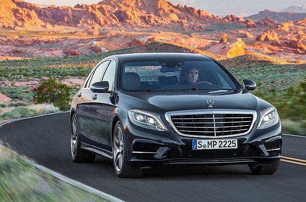 LED頭燈科技為S-Class型車照明帶來不少的自動化。 M-Benz