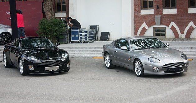 經典車款展示,右為DB7跑車。 記者林和謙/攝影