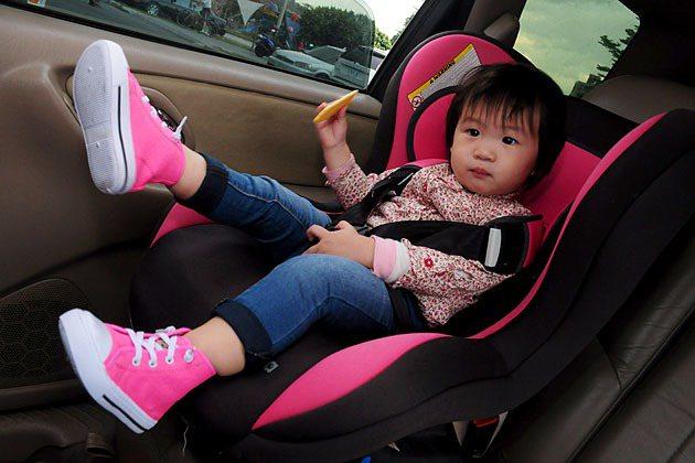 開車時挑選適當的安全座椅跟預防過敏源相同重要。 蔡志宇