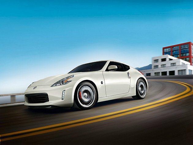 全新到港的2014年式Nissan 370Z即日起正式上市。 Nissan提供