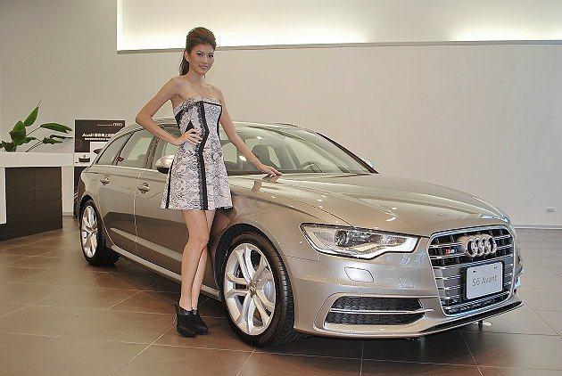 Model連潔與S6 Avant。 記者趙惠群/攝影