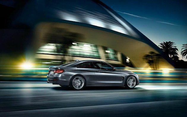 420i雙門跑車搭載2012、2013連續兩年贏得國際引擎大獎殊榮的BMW Tw...