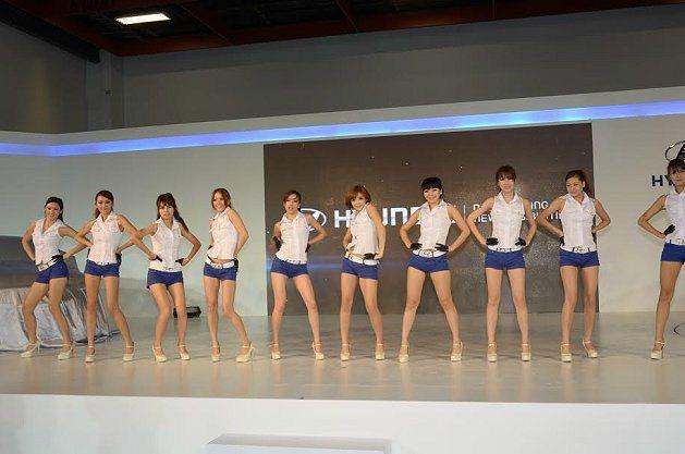 2014年台北車展的各車廠show girl也將帶來精采的表演。 台北市汽車代理...