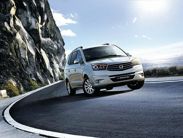 全新Stavic採用2.0 e-XDi柴油引擎,油耗更低,扭力更強;預售價149...