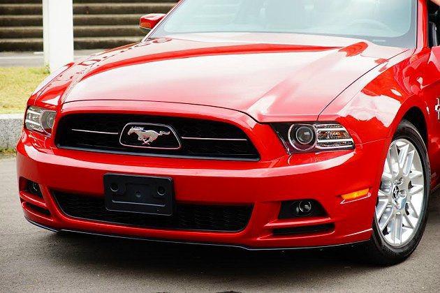 Ford Mustang 3.7升V6引擎創造最大305hp絕佳性能之際,仍保有...