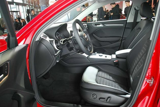 A3 Sedan包覆性不錯的半皮混座椅洋溢時尚風味。 記者趙惠群/攝影