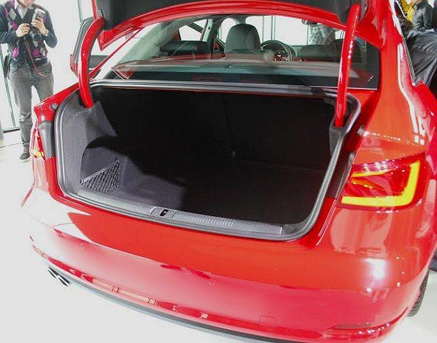 A3 Sedan行李廂最大容積可達880公升。 記者趙惠群/攝影