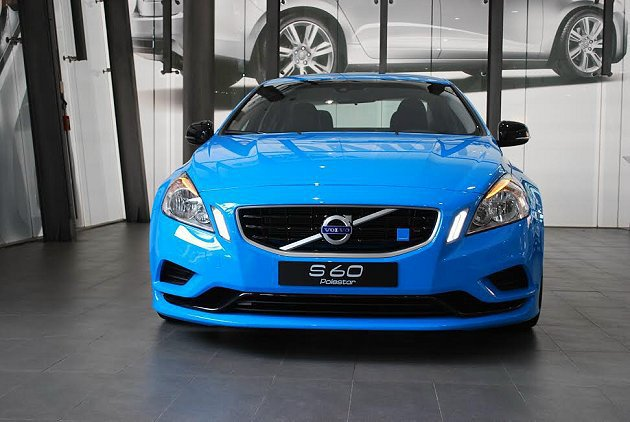 S60 Polestar Concept有搶眼的湛藍車色,加上一些新開發的空力套...