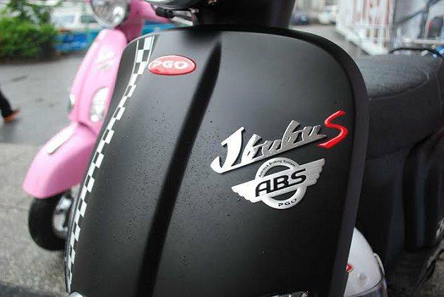 J-BUBU ABS讓女性手車疾速奔馳急煞,也能煞停穩當而無打滑之虞。 記者趙惠...