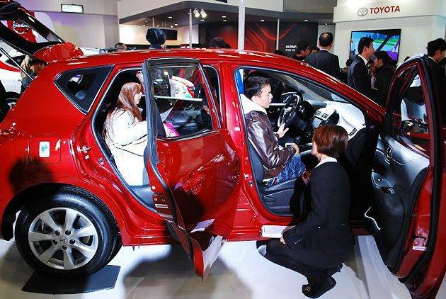 不少車商在跨年與元旦假期還會有勁爆的促銷。 記者趙惠群/攝影