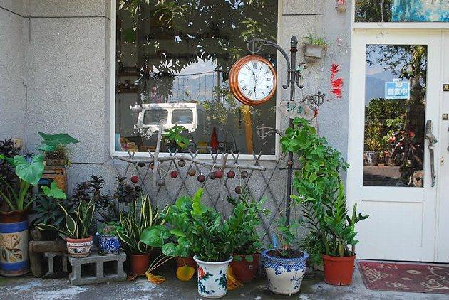 藝術家的家宅是藝術創作空間,同時也是一間簡餐店。 記者趙惠群/攝影