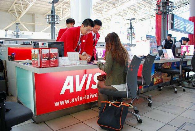 AVIS高鐵左營服務據點,就在高鐵站內。 記者趙惠群/攝影