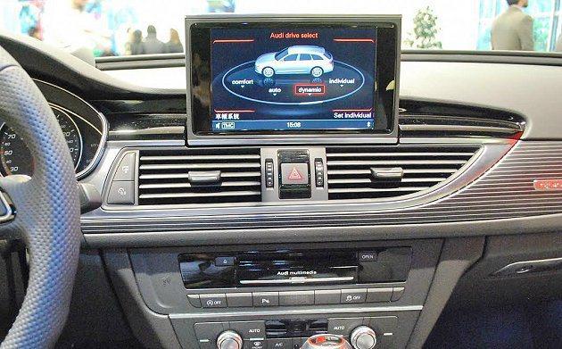 中控台內建Audi Drive Select系統,可設定不用調性的駕馭模式創造不...