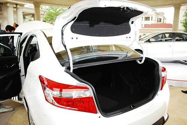 行李廂容積達到476升,全車更有10個貼心的置物設計。 記者趙惠群/攝影