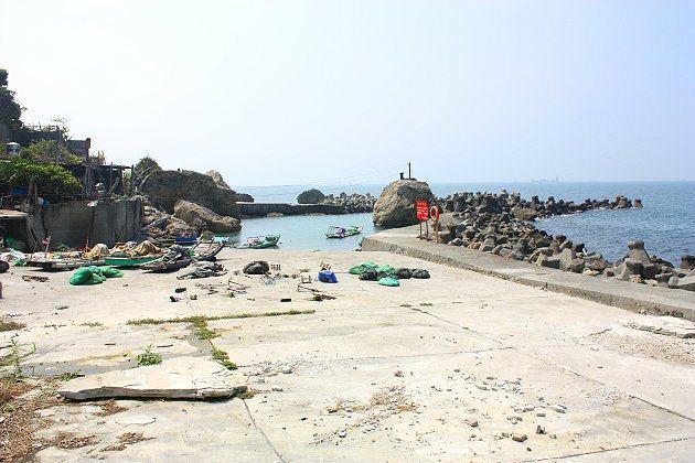 柴山漁港是很有鄉村氣息的小漁港,不過現今已少有漁民在此捕魚。 記者林和謙/攝影