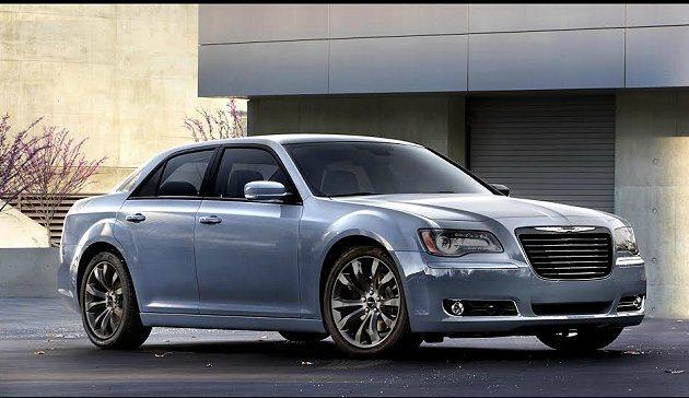經過小改款之後的旗艦房車Chrysler 300保有原有FR後驅豪華運動房車血統...