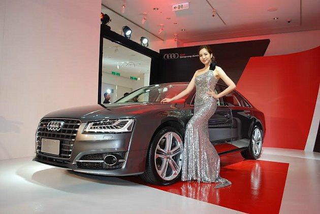 S8售價為715萬元。 記者趙惠群/攝影
