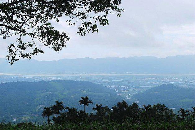 重光部後山遠眺,壽豐全鄉景致盡收眼底。 記者趙惠群/攝影