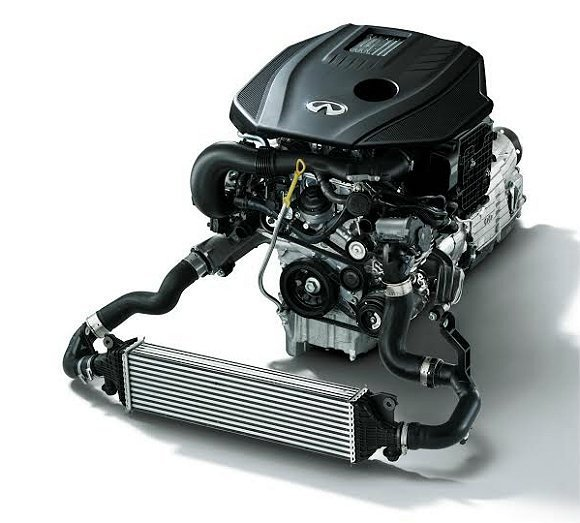 Infiniti Q50 2.0t 採用高效渦輪增壓系統,瞬間起步的加速實力,激...