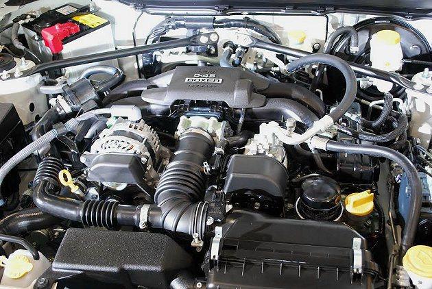 86動力系統為水平對臥D-4S缸內直噴自然進氣引擎,最大馬力200ps。 記者趙...