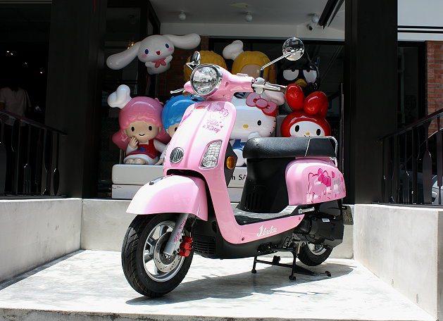 Hello Kitty J-BuBu特仕車配備前後大尺寸碟盤,提升騎乘安全,加上...