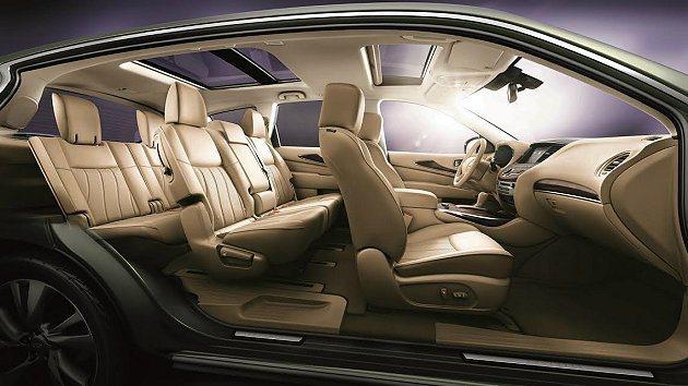 油電電池隱藏在第三排座位下,維持優異的車室空間,讓分享無需妥協。 Infinit...