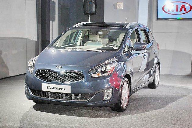 Carens屬中型MPV,將挑戰對上Mazda5與Wish等國產休旅車。 記者趙...