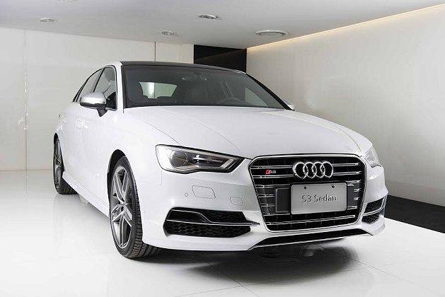 全新Audi S3 Sedan高性能運動跑房車上市,售價為249萬元。 Audi...