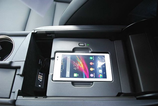 車內有許多細膩而貼心的設計功能與配備。 記者趙惠群/攝影