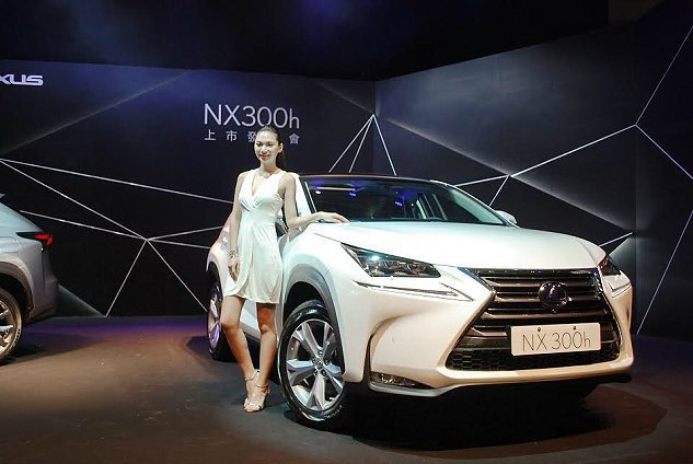 NX 300h,共五個車型,入門的豪華版189萬元,頂級版199萬,旗艦版216...
