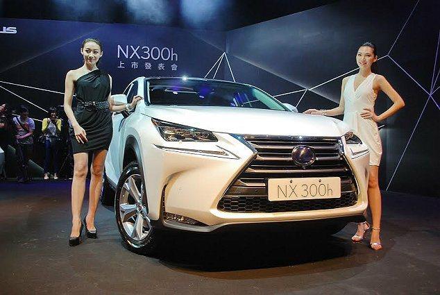 LEXUS 跨界休旅NX正式在台發表,總代理和泰汽車共導入油電複合動力的NX 3...