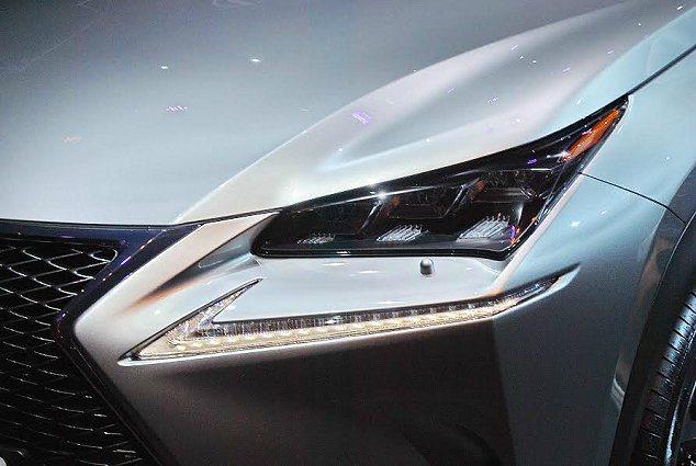 NX有先進造型的LED頭燈組。 記者趙惠群/攝影